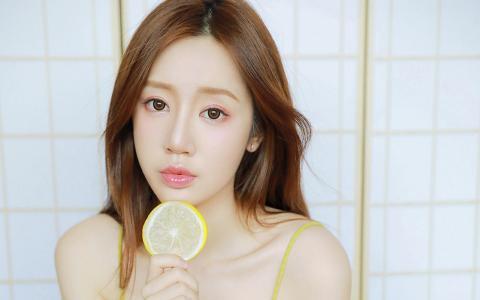 夏季小清新柠檬美女元气写真