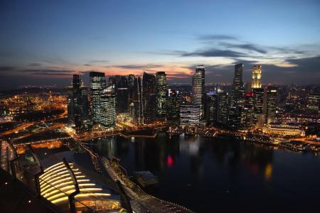 夜景下繁华的新加坡