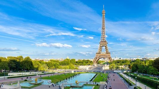 巴黎地标埃菲尔铁塔