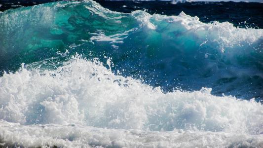 波澜壮阔的大海