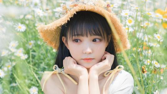 清纯甜美女孩花海写真