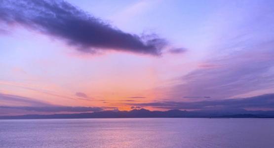 紫色的黄昏美景