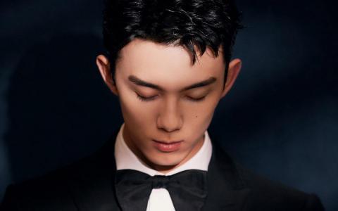 小鲜肉吴磊酷帅有型时尚个人写真