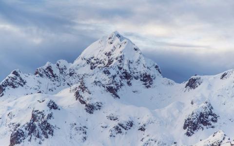 唯美雄壮的雪山自然风景