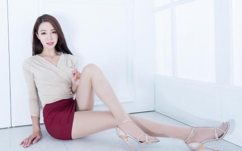 台湾大长腿美女丝袜性感写真