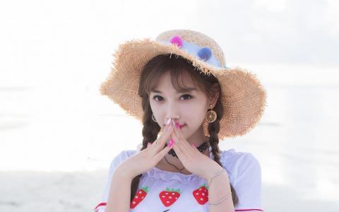 清纯可爱双马尾美女海边沙滩小清新写真