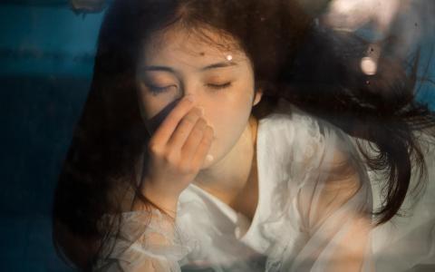 清纯水中尤物婀娜性感写真