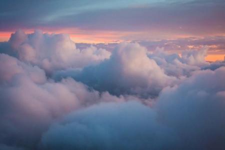 天空中唯美的云朵